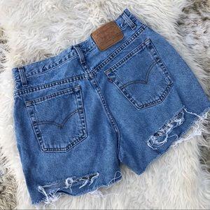 Women's vintage Levi's Mom Shorts